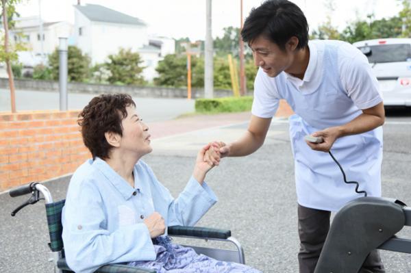 社会医療法人社団三草会 介護老人保健施設 もえれパークサイド