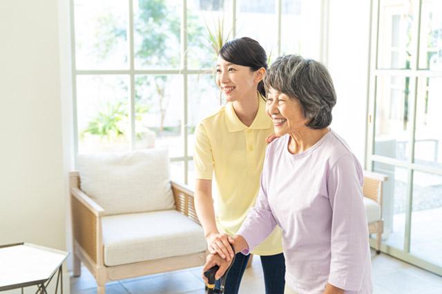 新人介護士を褒めることでどんなメリットがあるのか