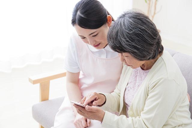 介護現場の無資格から、国家資格の介護福祉士を目指そう