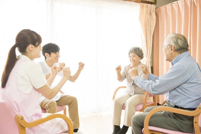 介護サービスの施設介護と居宅介護の種類