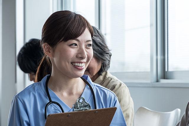 介護職員不足を考える