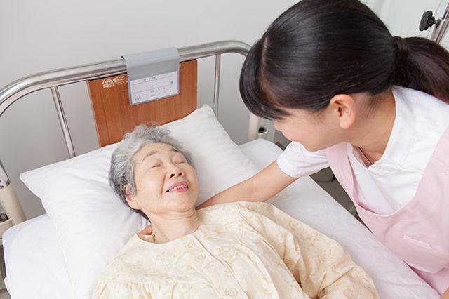 介護で行われる寝返り介助の重要性