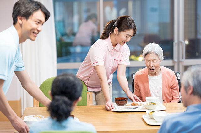 高齢者介護から考える尊厳とは?